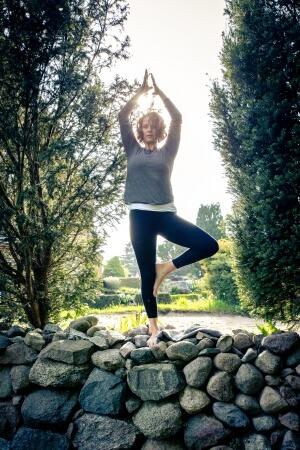 Fasten Yoga Baum